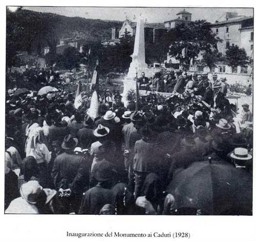 Inaugurazione del Monumento ai caduti
